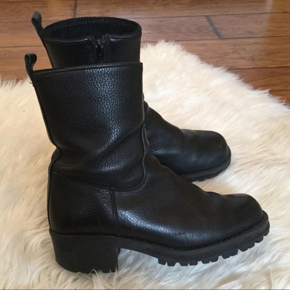 Santana Canada Black Pebbled Leather